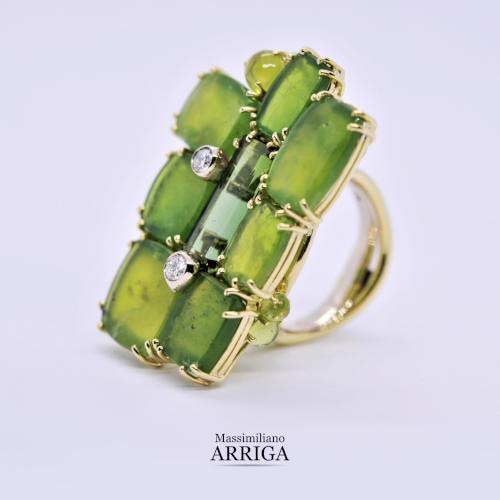 Anello in oro con Opali verdi e Diamanti